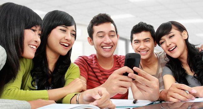 crux-messaging-app-students
